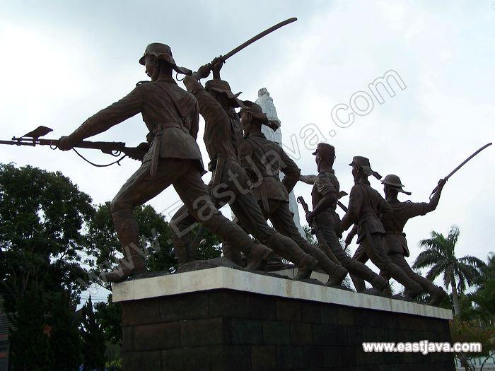 Galeri Foto Monumen Peta Kota Blitar Galleries Monument Preview 09