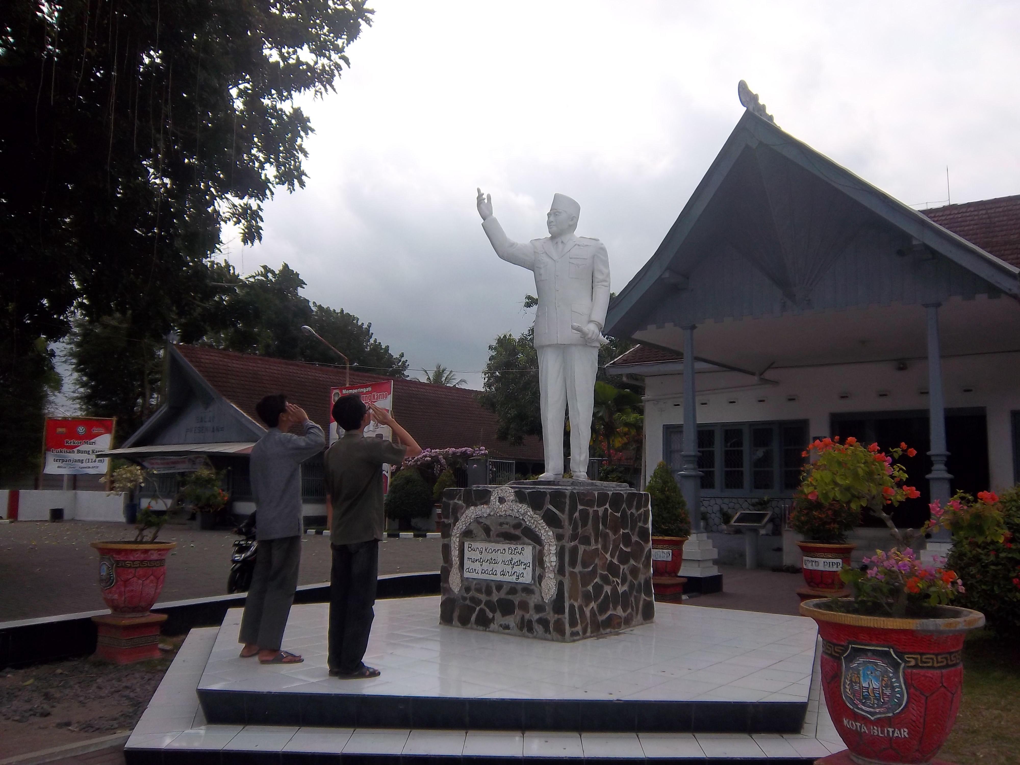 Istana Gebang Rumah Tua Bung Karno Blitar Discover Monumen Peta