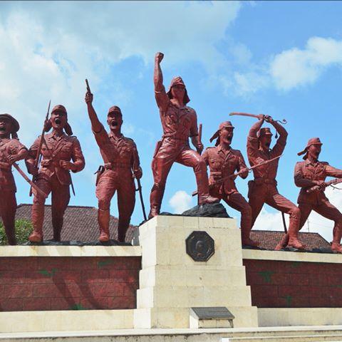 Obyek Wisata Sejarah Monumen Peta Blitar Kab