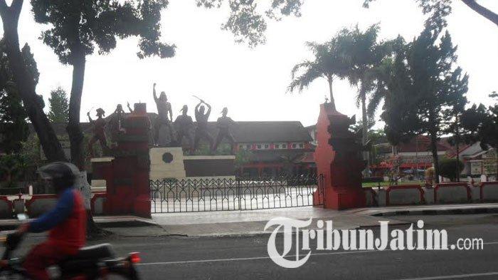 Penilaian Kota Sehat Depan Monumen Peta Blitar Bebas Pkl Kab