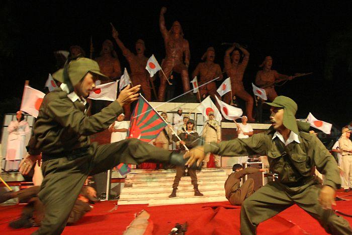 Peringatan 73 Pemberontakan Peta Antara Foto Sejumlah Seniman Mementaskan Drama