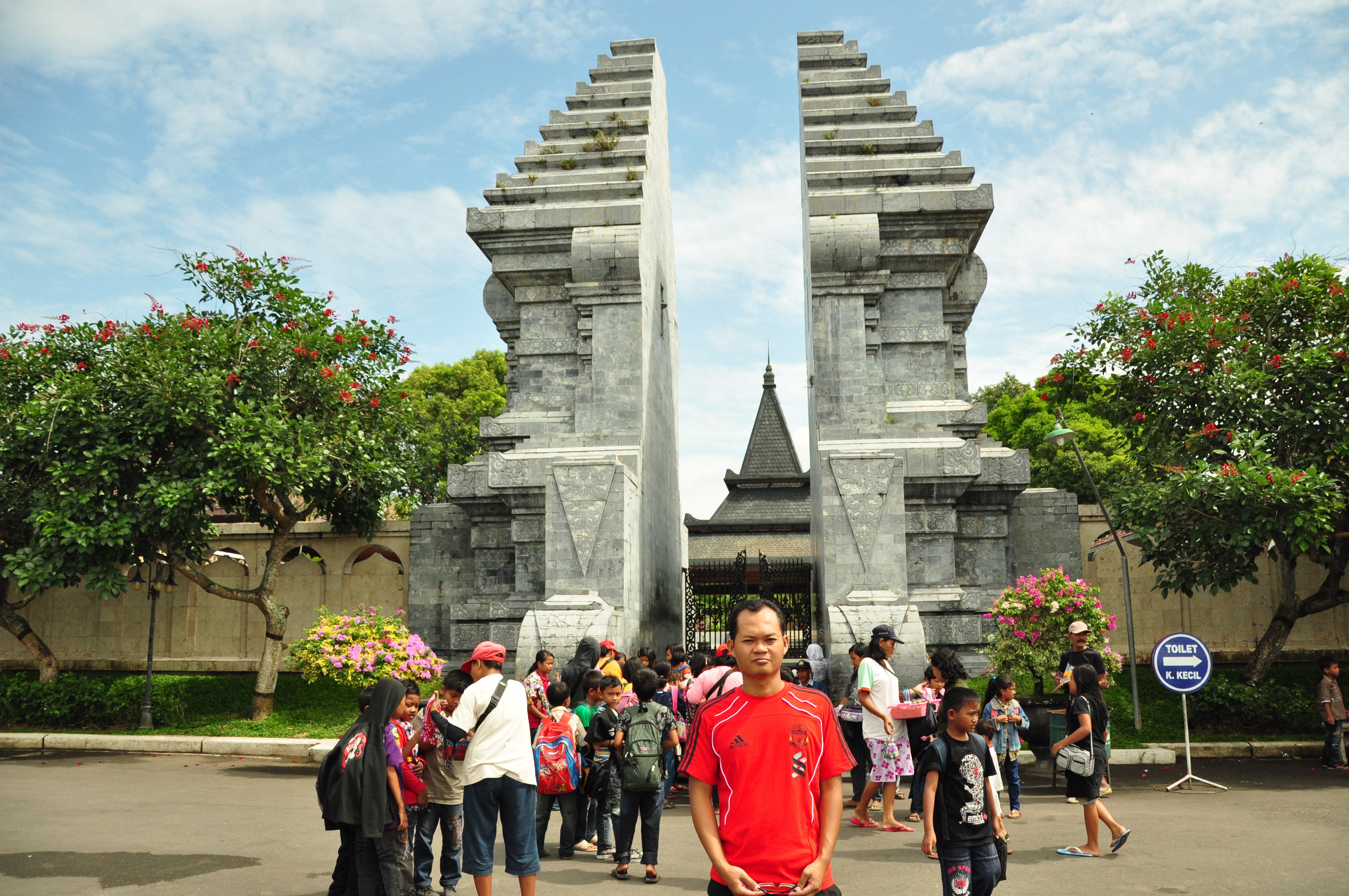Wisata Kota Blitar Pecintawisata Perjalanan Monumen Peta Kab