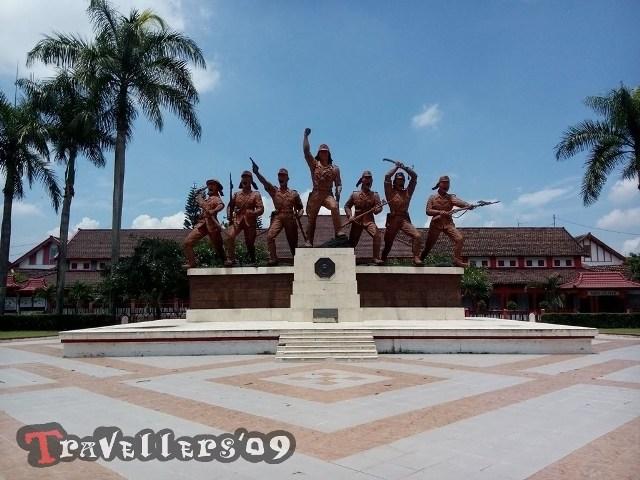 Wisata Kota Blitar Travellers Monumen Peta Kab