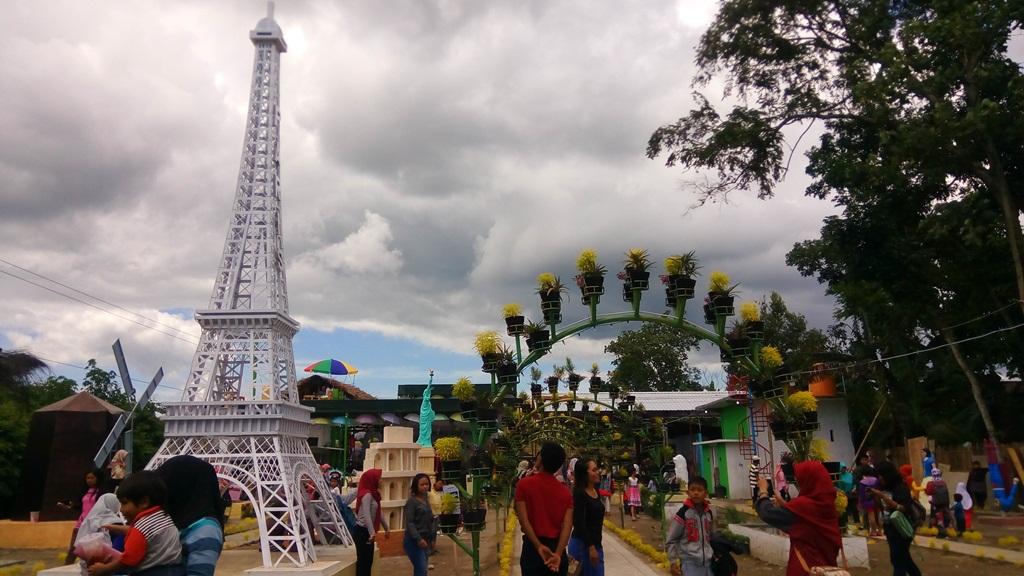 Wisata Negeri Dongeng Mulai Ramai Dikunjungi Wisatawan Kabargress Kab Blitar