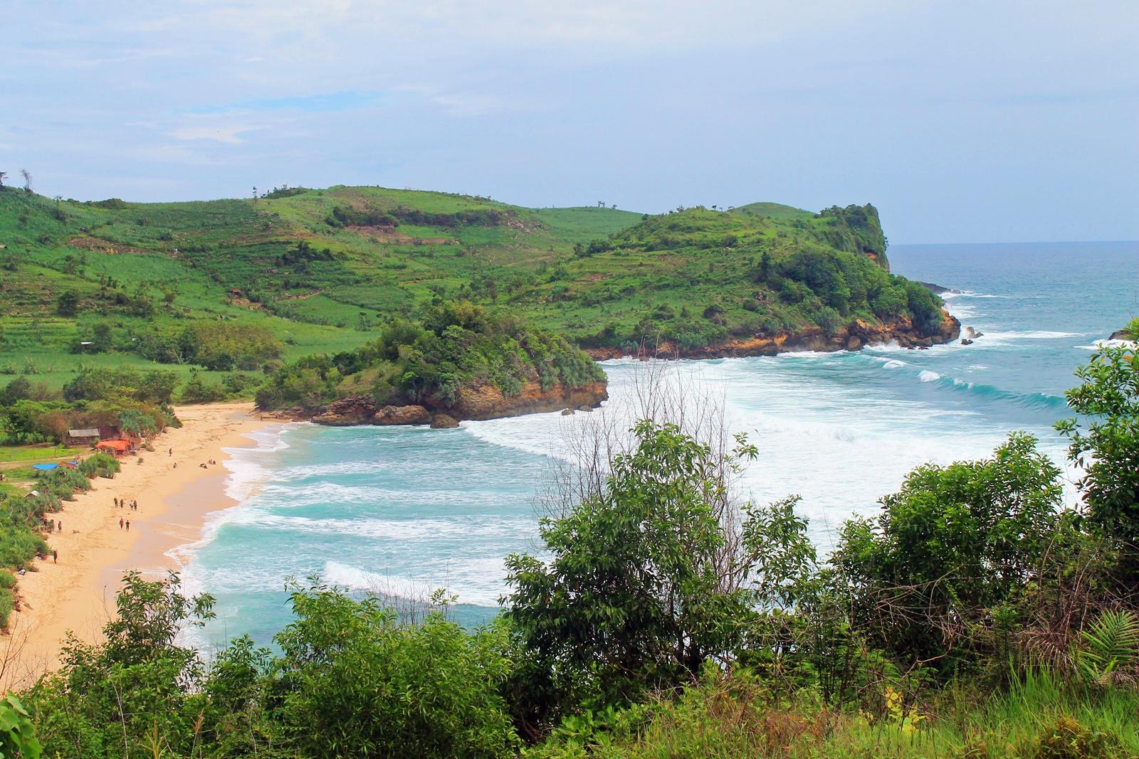 11 Pantai Indah Bisa Kamu Jelajahi Blitar Yuk Piknik Foto
