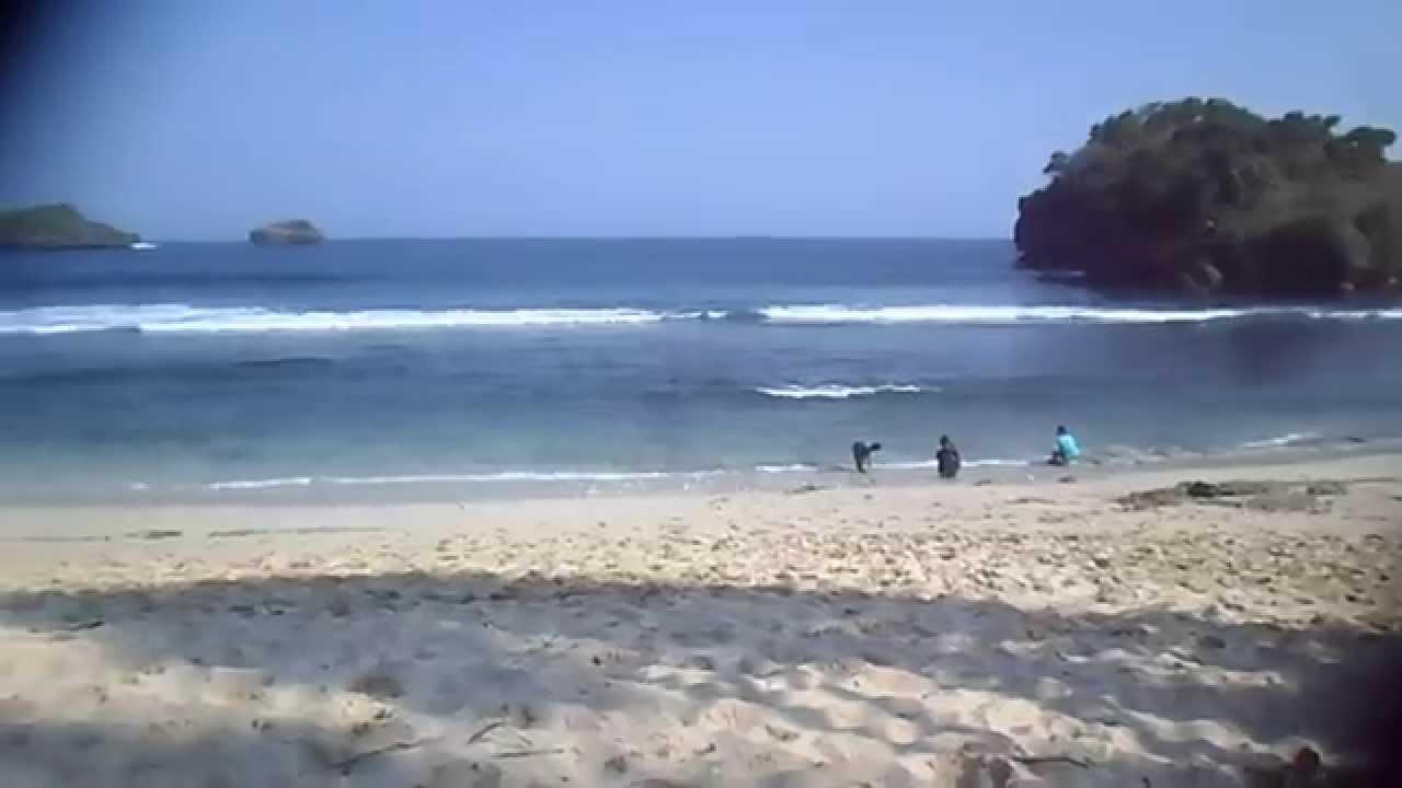 Hamparan Pasir Putih Pantai Peh Pulo Blitar Indonesia Youtube Pasur