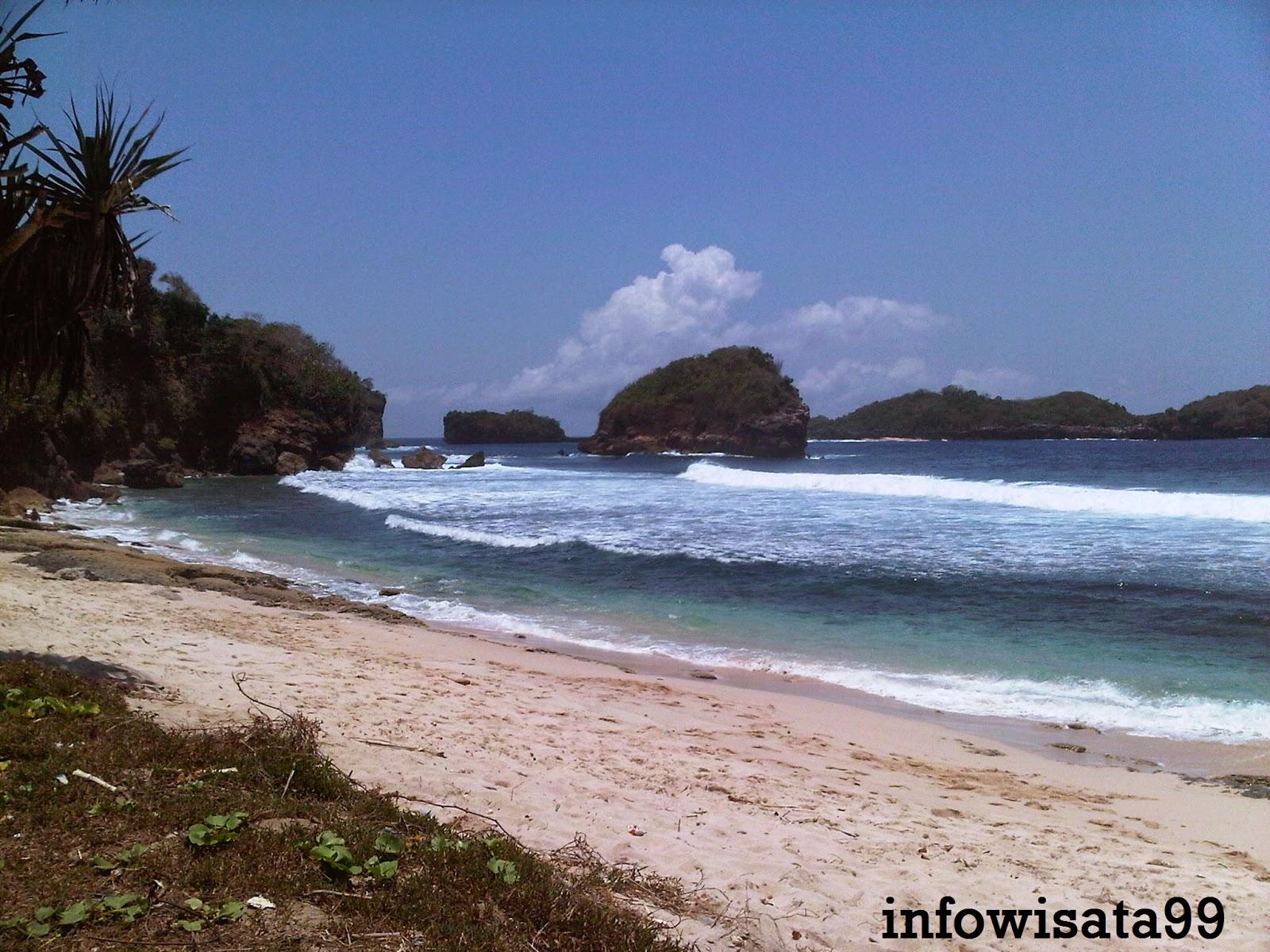 Indahnya Pasir Putih Pantai Peh Pulo Blitar Jawa Timur Infowisata99