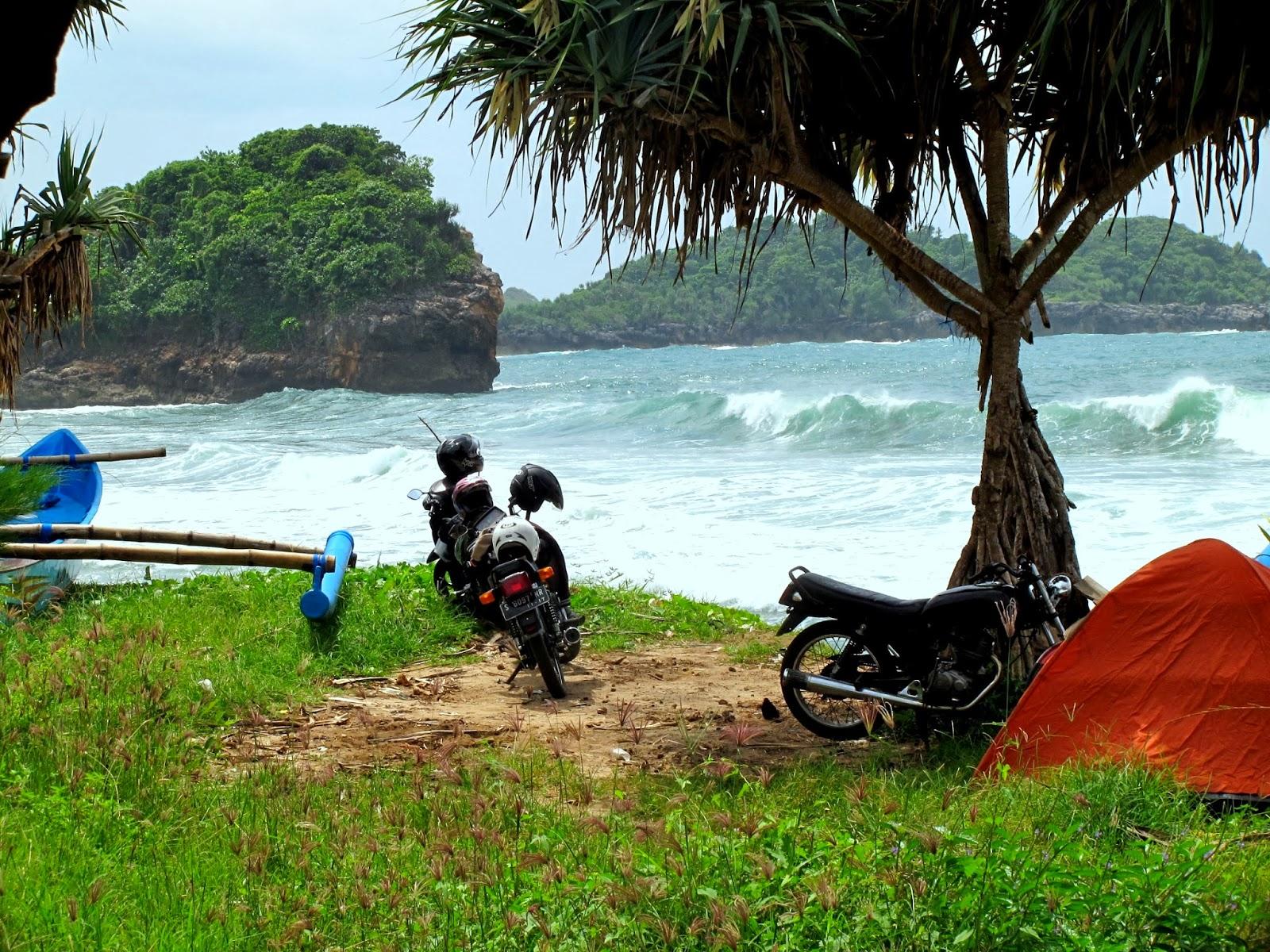 Pantai Pasir Putih Peh Pulo Blitar Haya Zone Merasakan Deburan