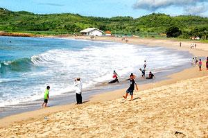 Pantai Serang Blitar Memiliki Ombak Dahsyat Mengagumkan Pasur Kab