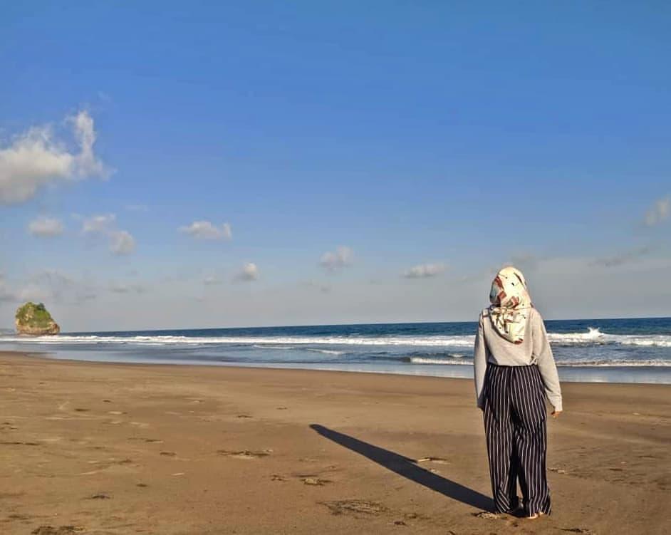 Shareblitar Instagram Profile Picbear Salah Satu Pantai Berpasir Hitam Luas