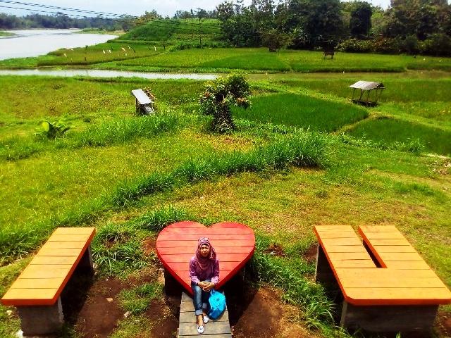 10 Tempat Wisata Blitar Bagus Hits Kaloka Lodoyo Taman Hijau