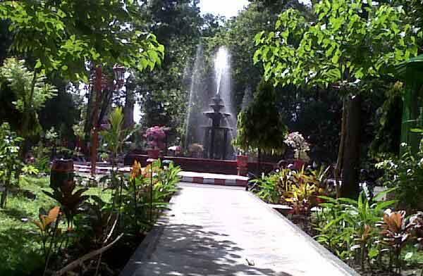 Wisata Taman Blitar Idaman Hati Hijau Kab