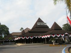 Kebon Rojo Blitar Discover Pinterest Pendopo Kabupaten Penelusuran Google Taman