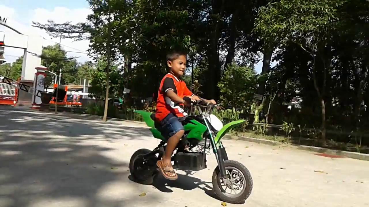 Main Motor Mini Taman Wisata Kota Kebon Rojo Blitar Alamsyah