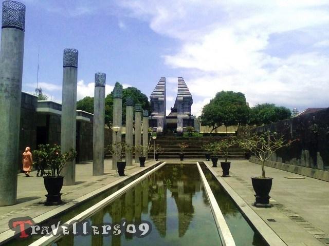Wisata Kota Blitar Travellers Komplek Makam Bung Karno Taman Kebon