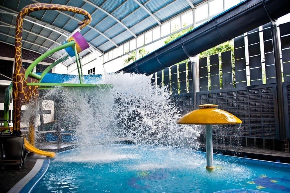Book Crown Victoria Hotel Tulungagung Hotels Water Park Sumber Udel