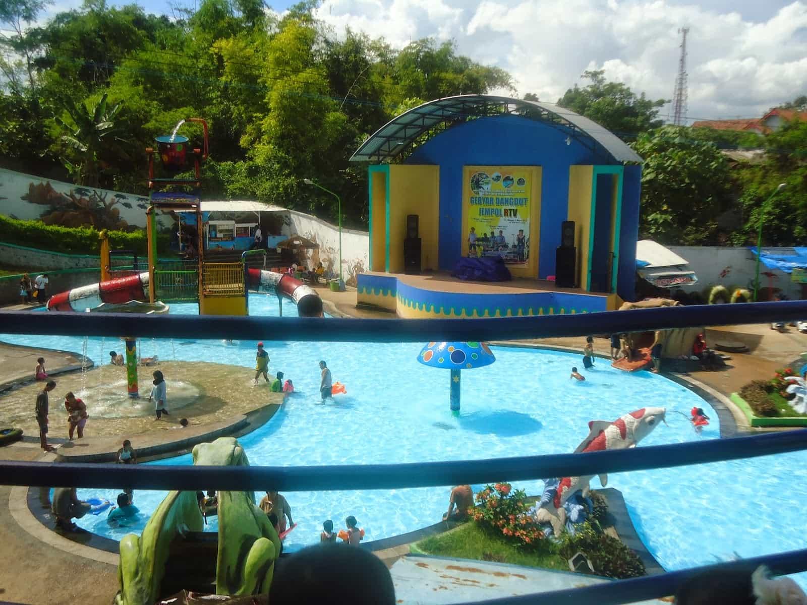 Water Park Sumber Udel Blitar Wisata Air Anggun Ulinulin Kolam
