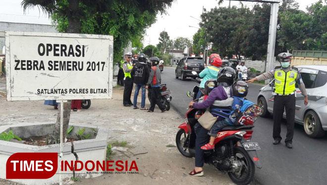 Operasi Zebra Semeru 2017 Tekan Laka Kabupaten Blitar Polres Melakukan