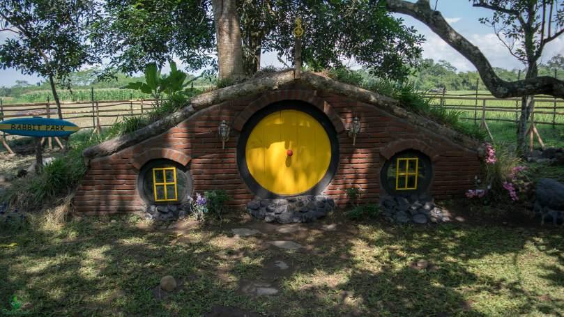 Rabbit Park Blitar Rumah Kelinci Ala Hobbit Sahabat Ransel Zegra