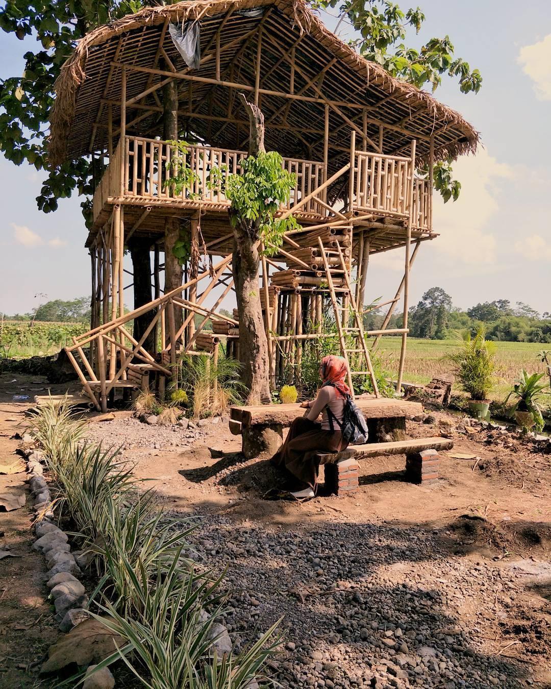 Rumah Hobbit Rabbit Park Jadi Wisata Hits Ngabuburit Pondok Kayu