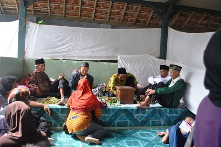 Blora Updates Pengunjung Makam Mbah Janjang Membludak Moment Bukit Kab