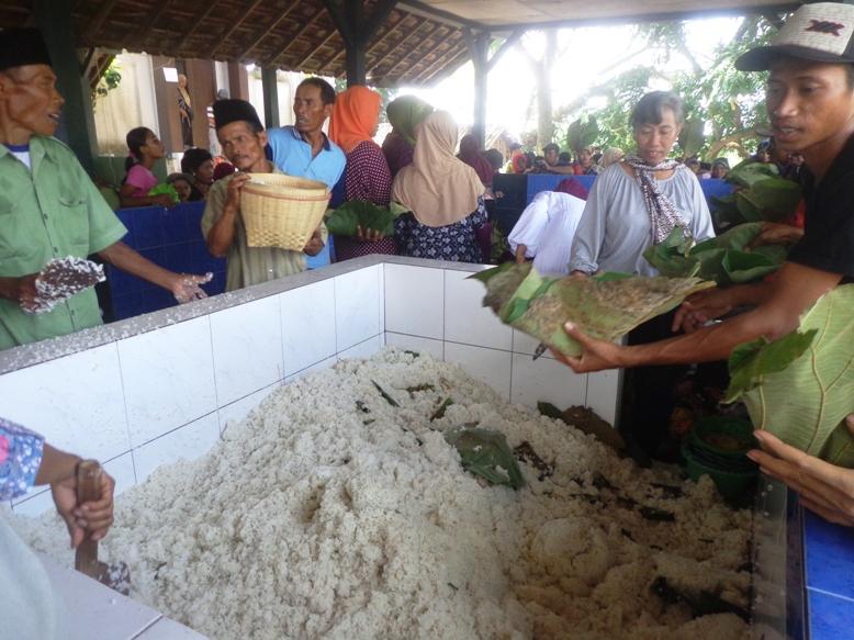 Dipadati Ribuan Warga Manganan Janjang Jadi Andalan Wisata Budaya Makan