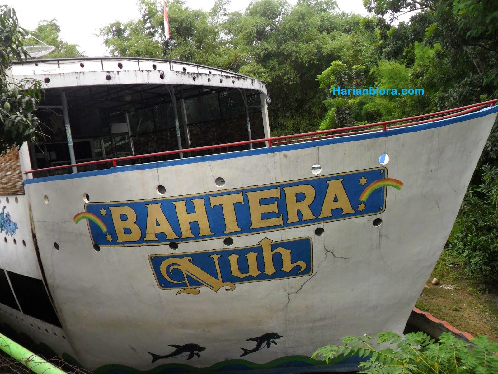 Bahtera Nuh Cafe Unik Berbentuk Kapal Blora Harian Kampung Bluron