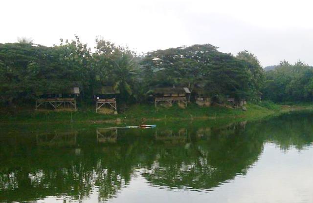 Berlebaran Cafe Ikan Bakar Waduk Tempuran Dihibur Musik Infoblora Aug