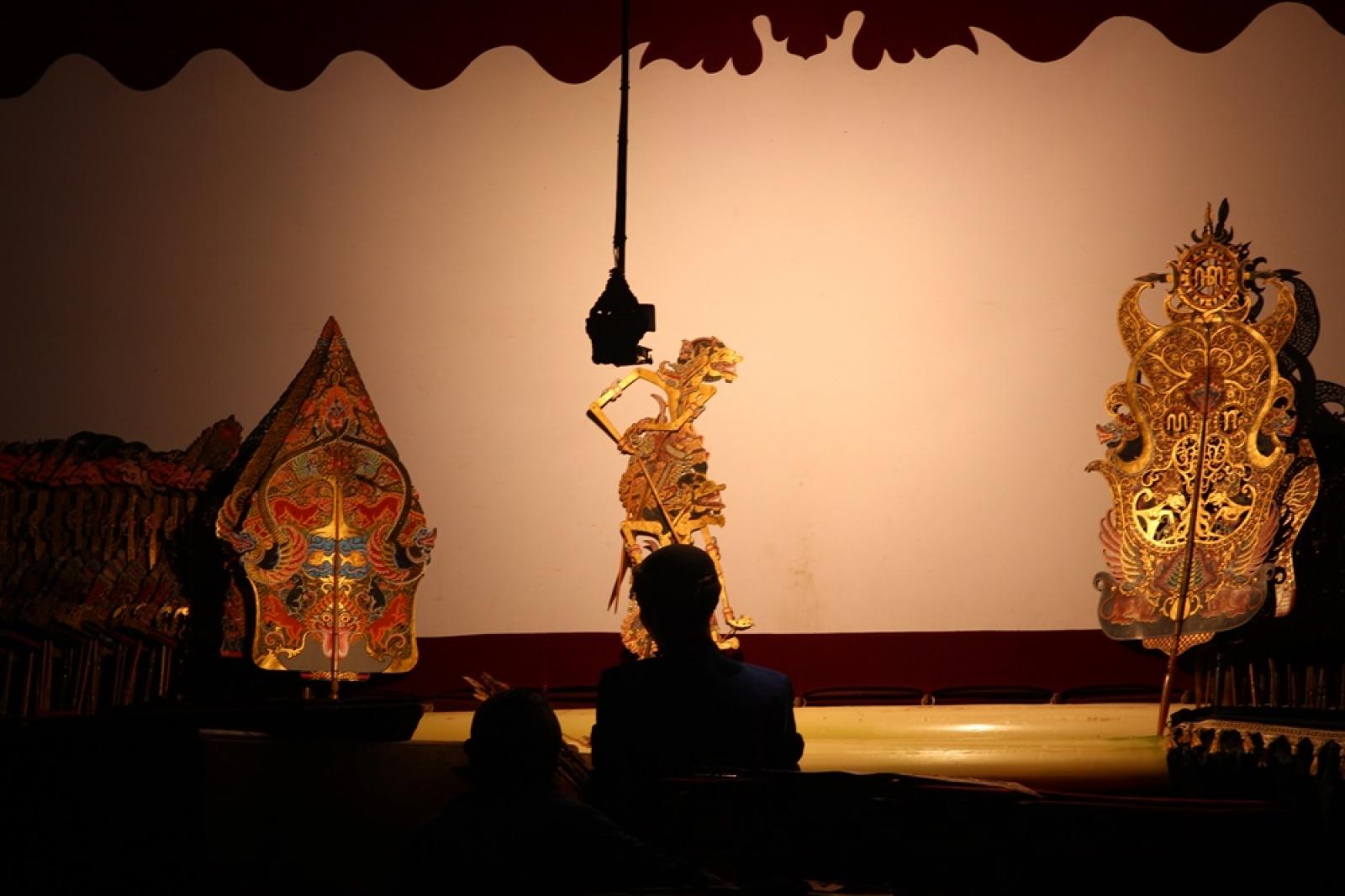 Sosialisasi Hasil Pembangunan Melalui Pagelaran Wayang Kulit Taman Budaya Seni
