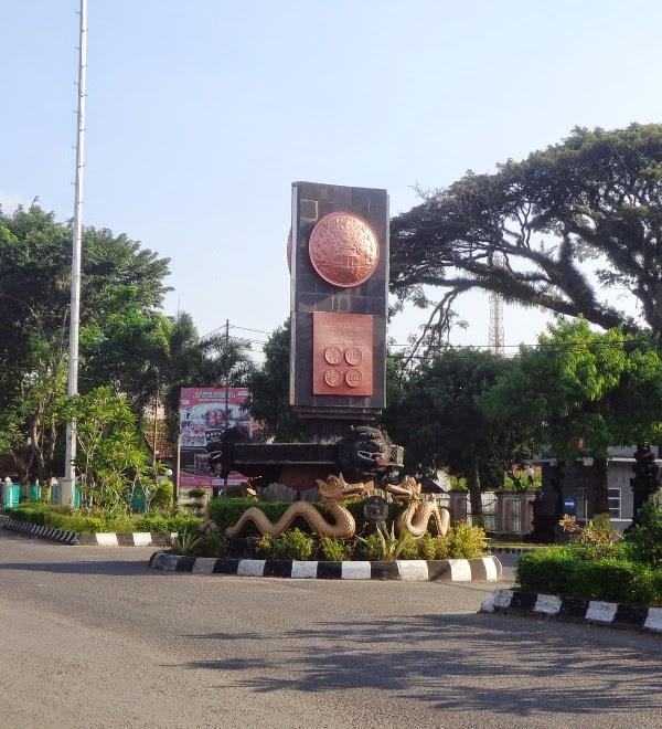 Kabupaten Blora Wikipedia Bahasa Indonesia Ensiklopedia Bebas Tugu Adipura Taman