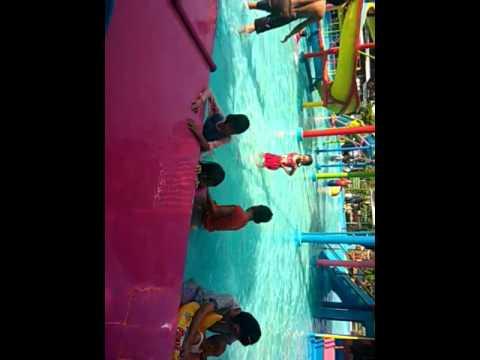 Berenang Taman Sarbini Blora 01 07 2017 Youtube Water Splash