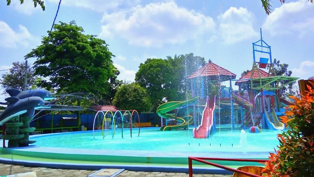 Lokasi Wisata Keluarga Water Bluster Blora Jawa Tengah Kacamatawisata Tempat