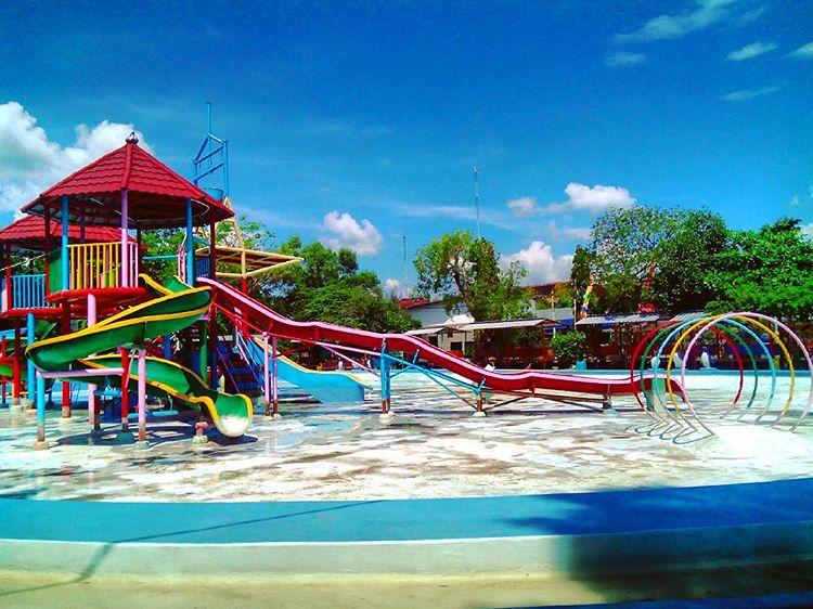 Water Splash Keindahan Wisata Tempelan Blora Jawa Tengah Taman Sarbini