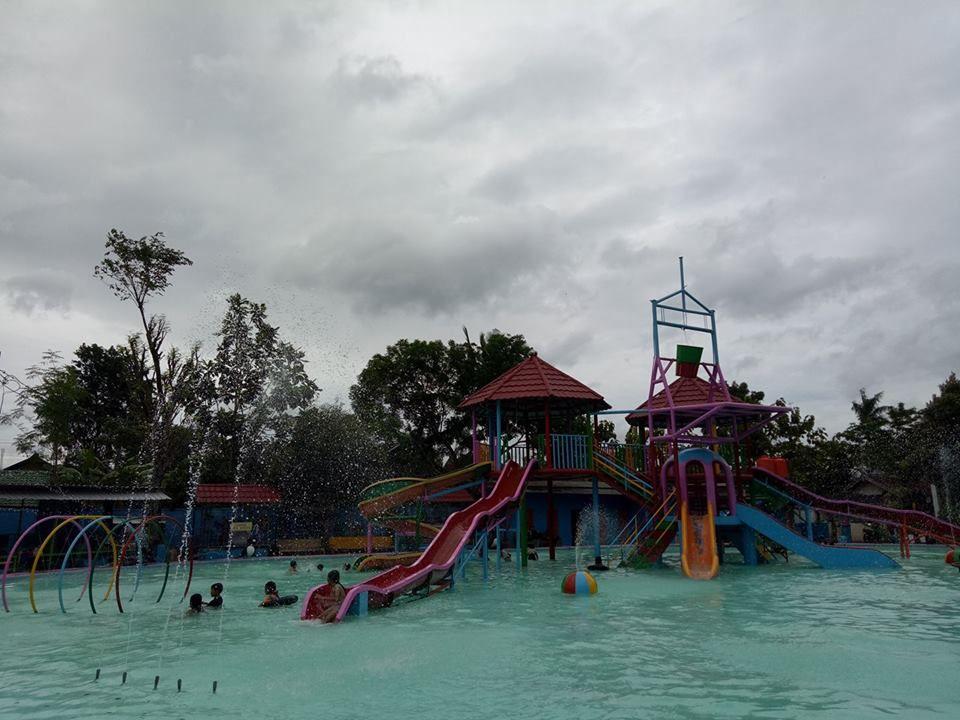Water Splash Taman Sarbini Blora Pinterest Kab