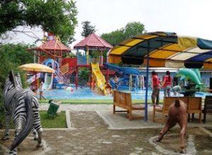 Destinasi Tempat Objek Wisata Kabupaten Blora Taman Sarbini Water Splash