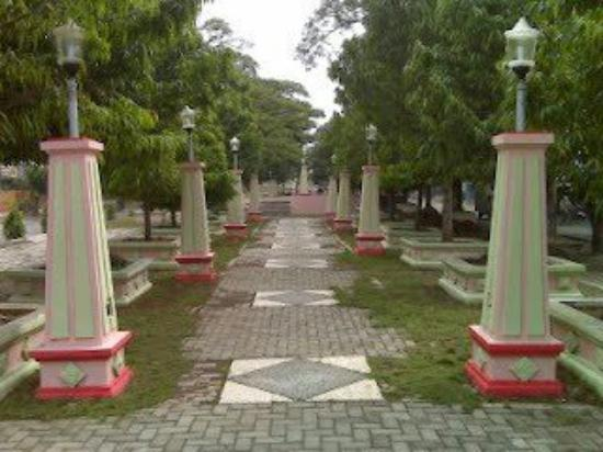 Missing Lights Review Taman Seribu Lampu Cepu Indonesia Tripadvisor Kab