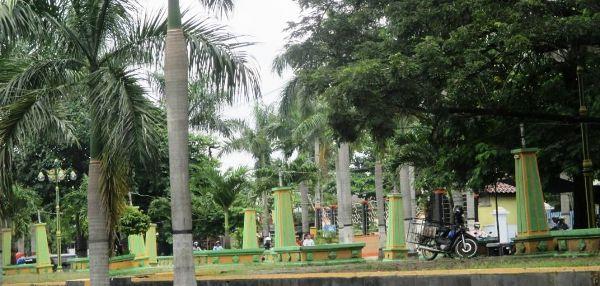 Taman Seribu Lampu Ditengarai Jadi Perdagangan Miras Media Kab Blora