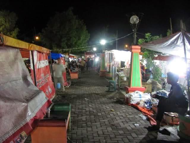 Terkesan Kumuh Pkl Taman Seribu Lampu Kecamatan Cepu Setiap Malam