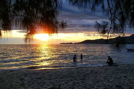 Pantai Bolihutuo Mutiara Pesisir Teluk Tomini Diary Harian Mel Sofyan