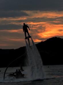 Wisata Pantai Bolihutuo Boalemo Merahputih Pengunjung Memainkan Water Jetpack Gorontalo