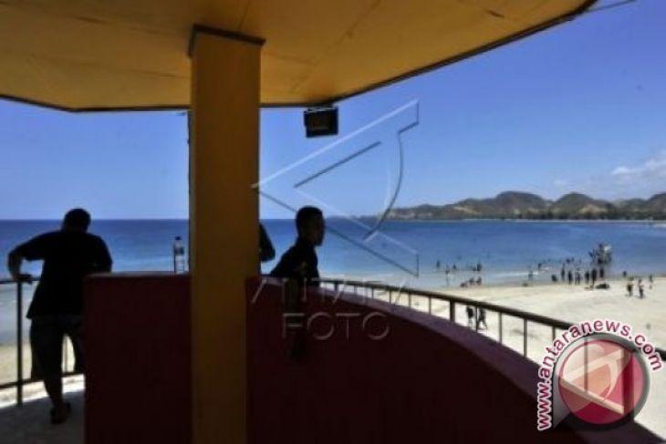 Wisata Pantai Bolihutuo Ramai Dikunjungi Warga Berlibur Antara Kab Boalemo