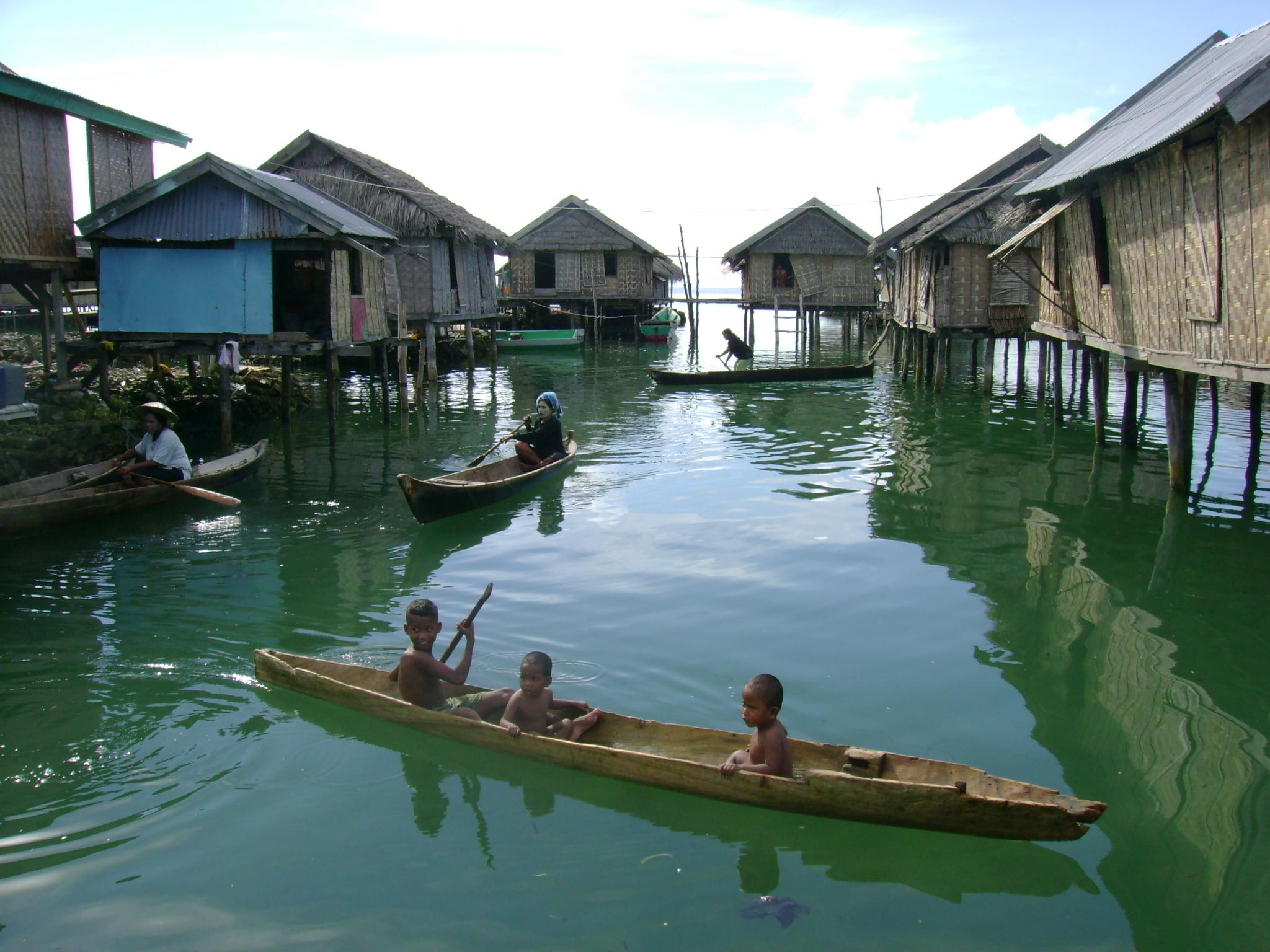 Asal Usul Suku Bajo Mencoba Berlari Bagaimana Keadaan Wisata Desa