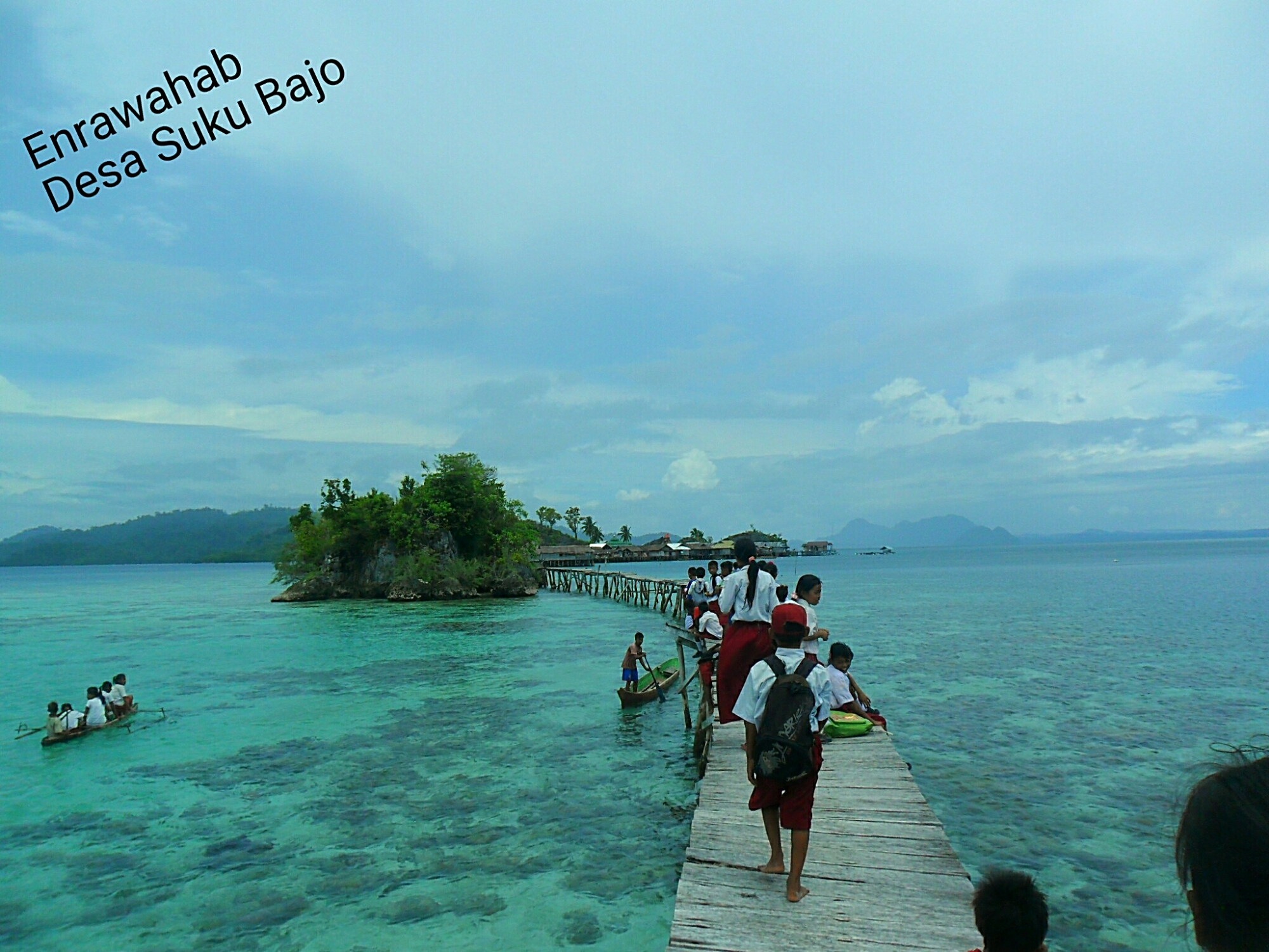 Bolaemo Tilamuta Gorontalo Togean Islands Kepulauan Terletak Tepat Berada Tengah