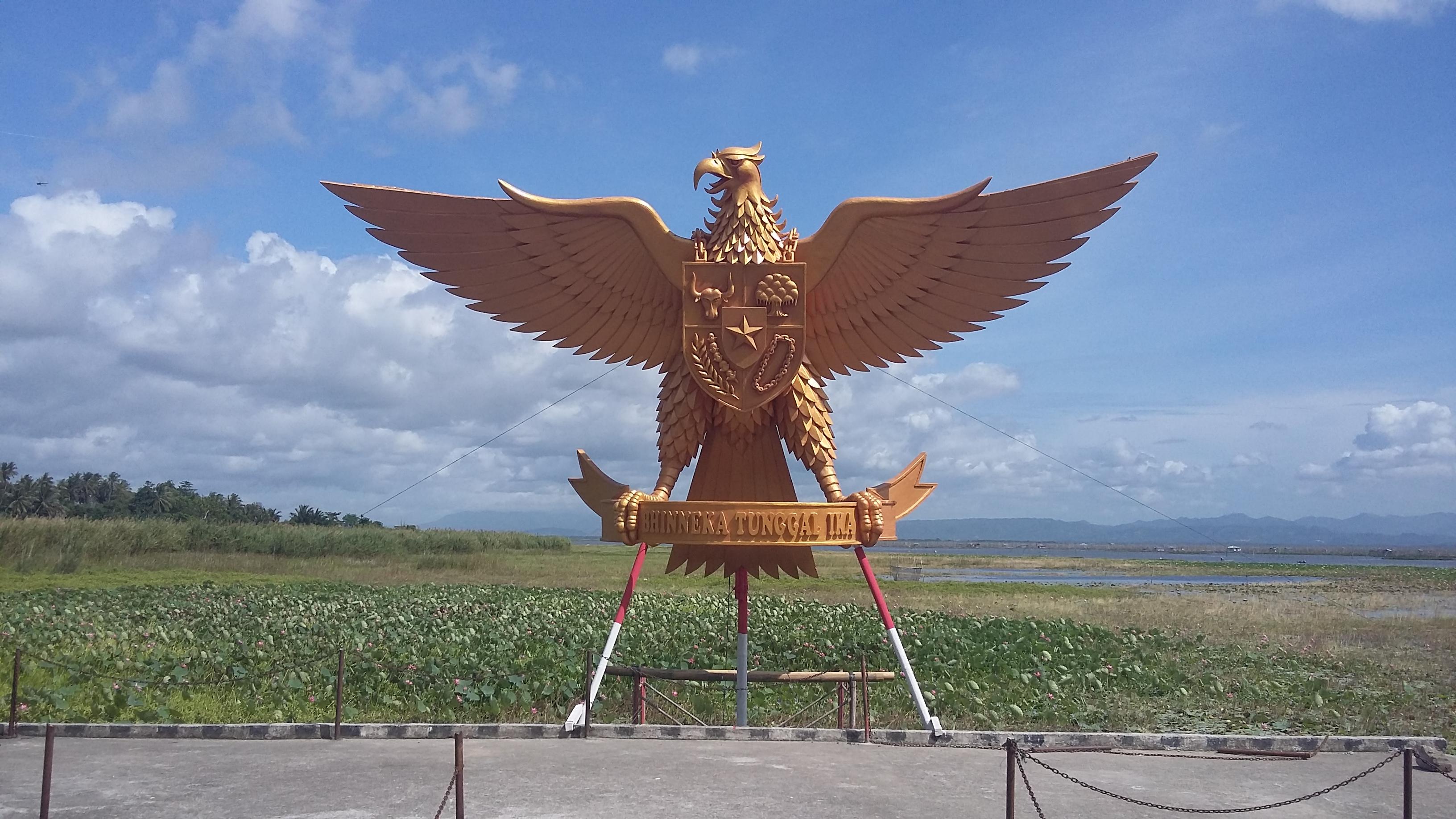 Gorontalo Wikipedia Bahasa Indonesia Ensiklopedia Bebas Patung Garuda Museum Pendaratan
