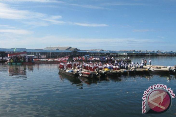 Suku Bajo Gelar Upacara Atas Laut Antara News Gorontalo Wisata