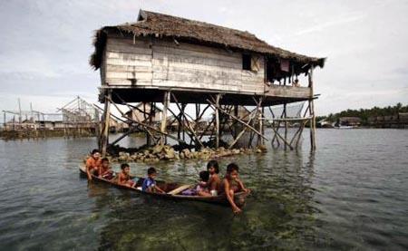 Suku Bajo Jawa Timur Dias Satria Salah Satu Kolega Academic