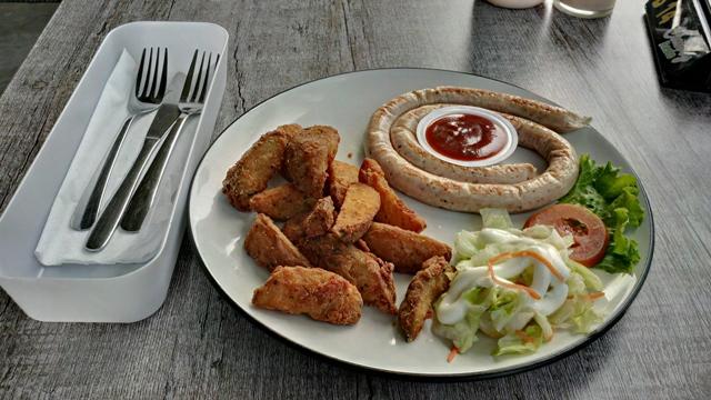 10 Wisata Kuliner Puncak Memuaskan Klikhotel Cimory Riverside Resto Menyediakan