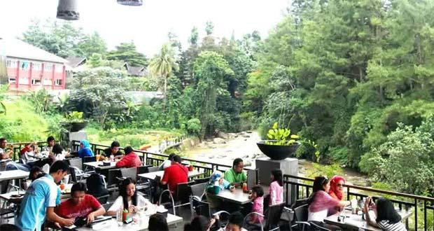 25 Tempat Buka Puasa Ngabuburit Bogor Asik Enak Cimory Riverside