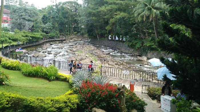 Cimory Riverside Puncak Bogor Tempat Buang Penat Pejalan Santai Pemandangannya