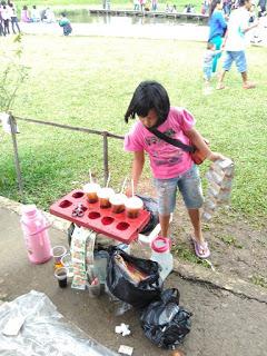 Namanya Dea Gadis Kecil Penjual Minuman Menginspirasi Mengunjungi Danau Ecopark